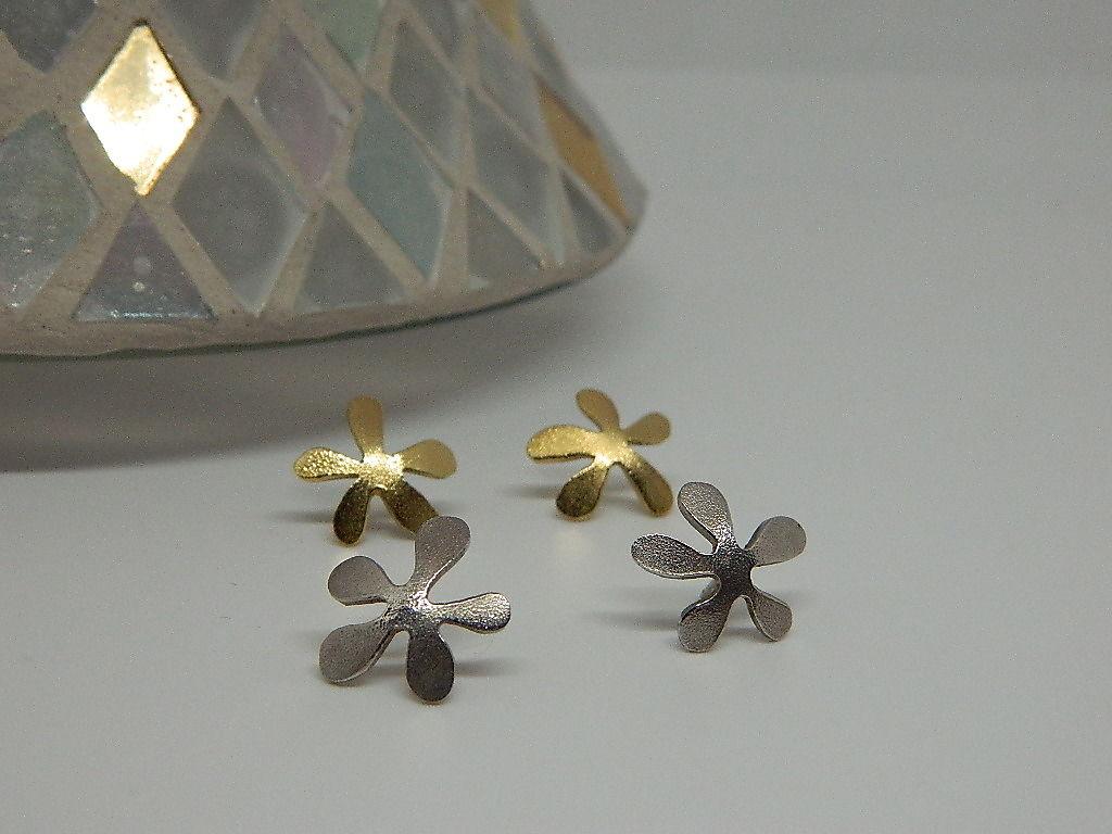 Boucles d'oreilles fleur frangipanier tiges